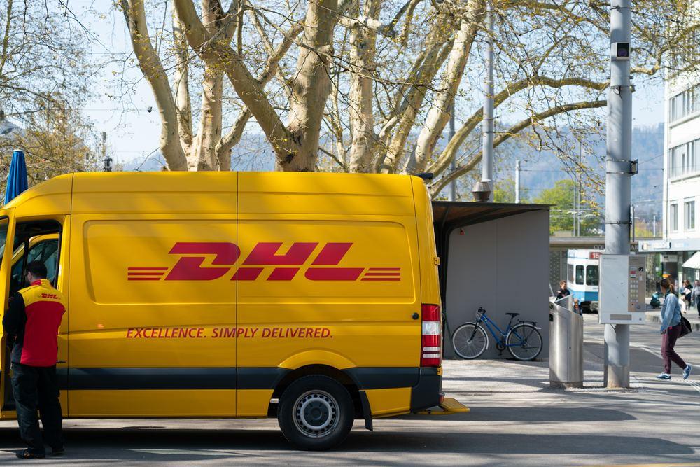 DHL tilbyr levering med ekspress